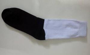 konveksi-kaos-kaki-hitam-putih
