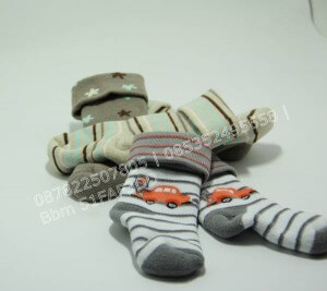 grosir-kaos-kaki-bayi-di-malang